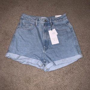 Mom-Jeans Denim Shorts
